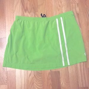 5/$25 Moving Comfort athletic skirt size Large